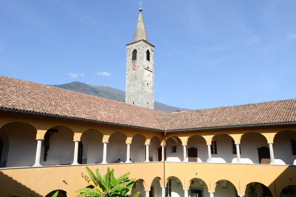 Kirche S. Maria della misericordia und Collegio Papio in Ascona (Bild: Stefano Ember - shutterstock.com)