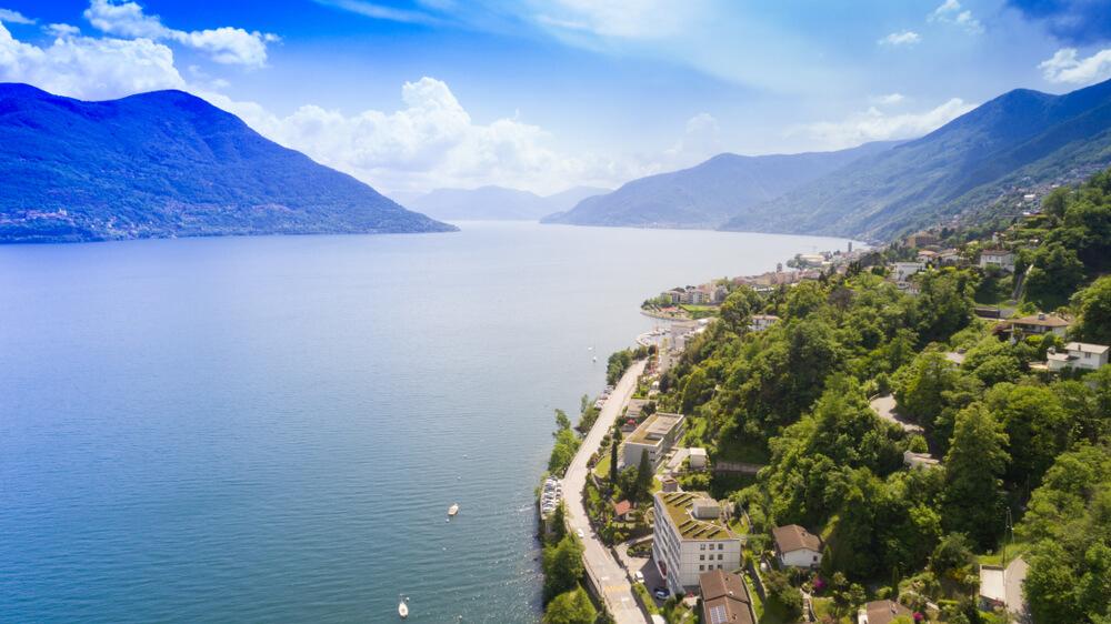 Sicht von Brissago auf den Lago Maggiore (Bild: alexandre zveiger - shutterstock.com)