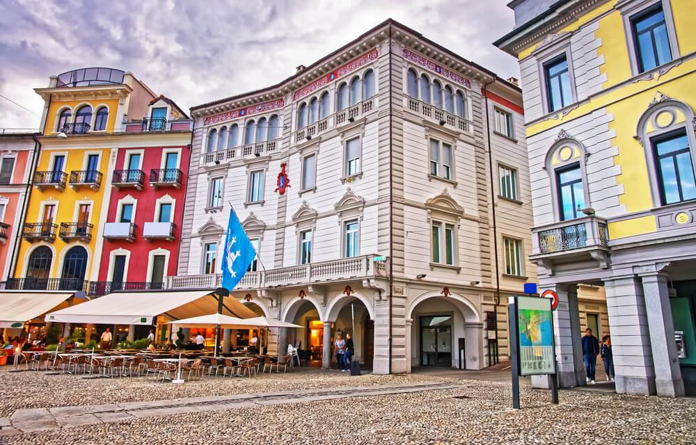 Locarno, Piazza Grande (Bild: Roman Babakin – shutterstock.com)