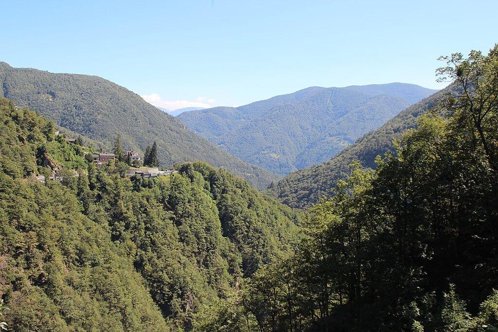 Onsernonetal bei Loco (Adrian Michael, Wikipedia, CC BY-SA 3.0)