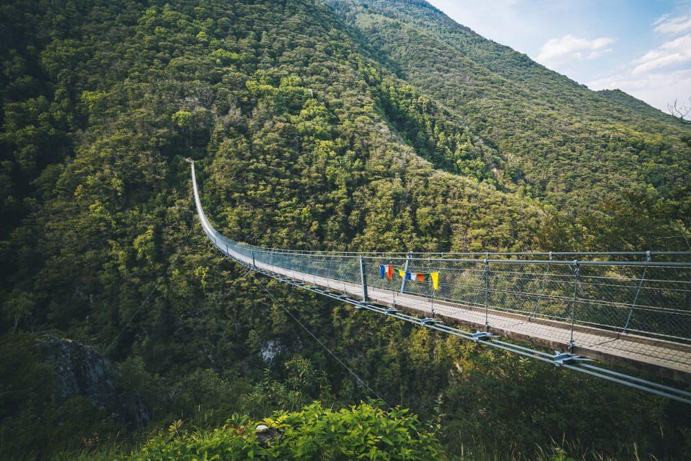 Ponte Tibetano Carasc (Bild: © Ticino Turismo - Milo Zanetta)